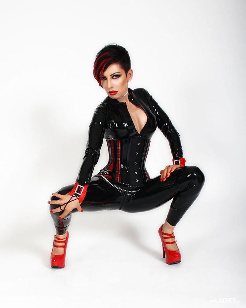 Fetischlady Eva / Bild 4